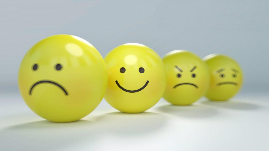 カウンセリングの情報をどう生かすか-喜怒哀楽の表情