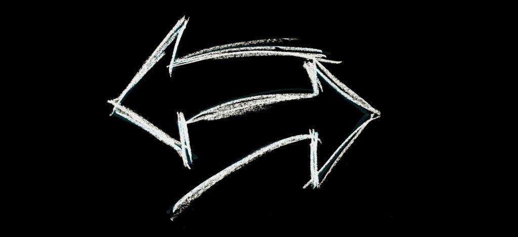 矛盾する矢印