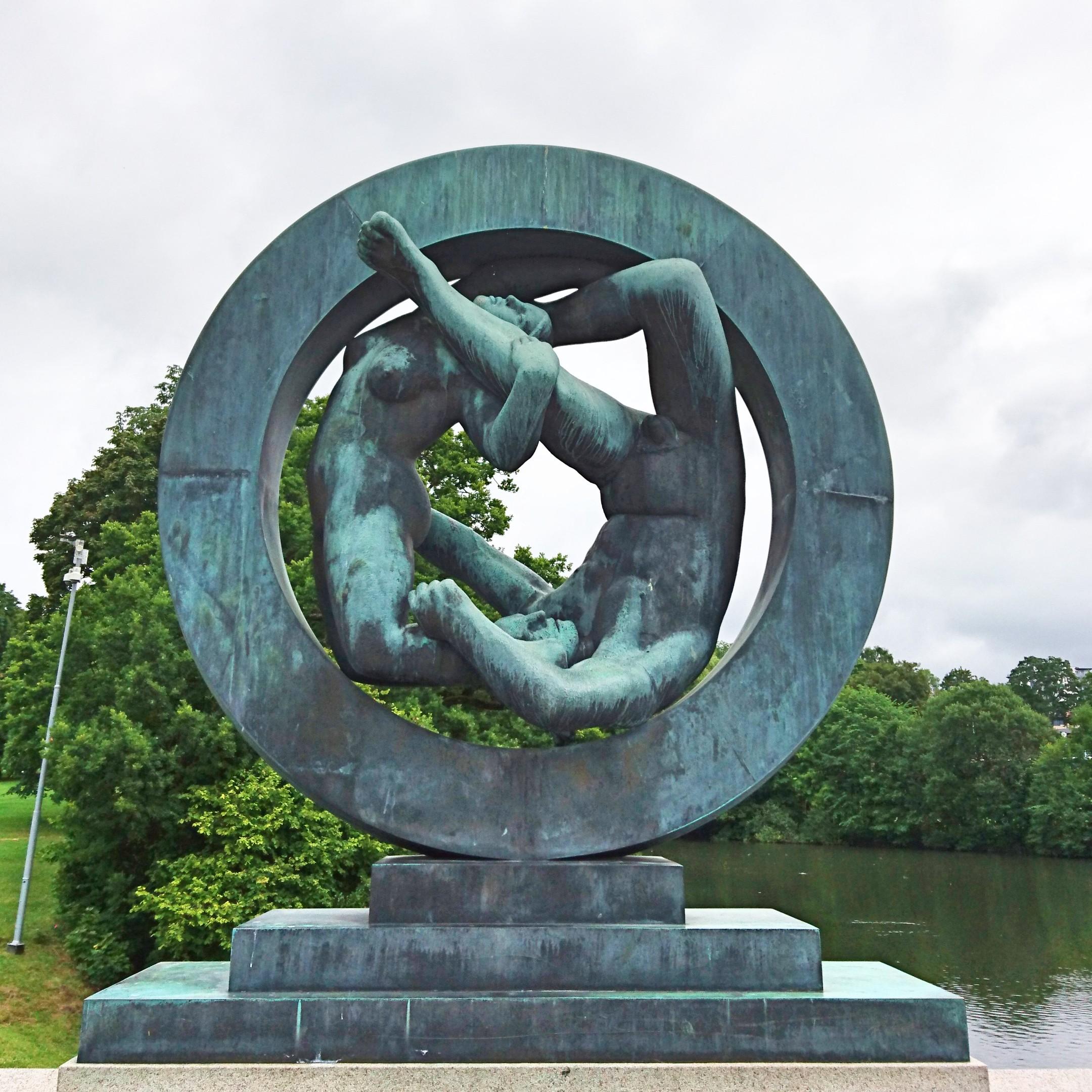 銅像-人間関係