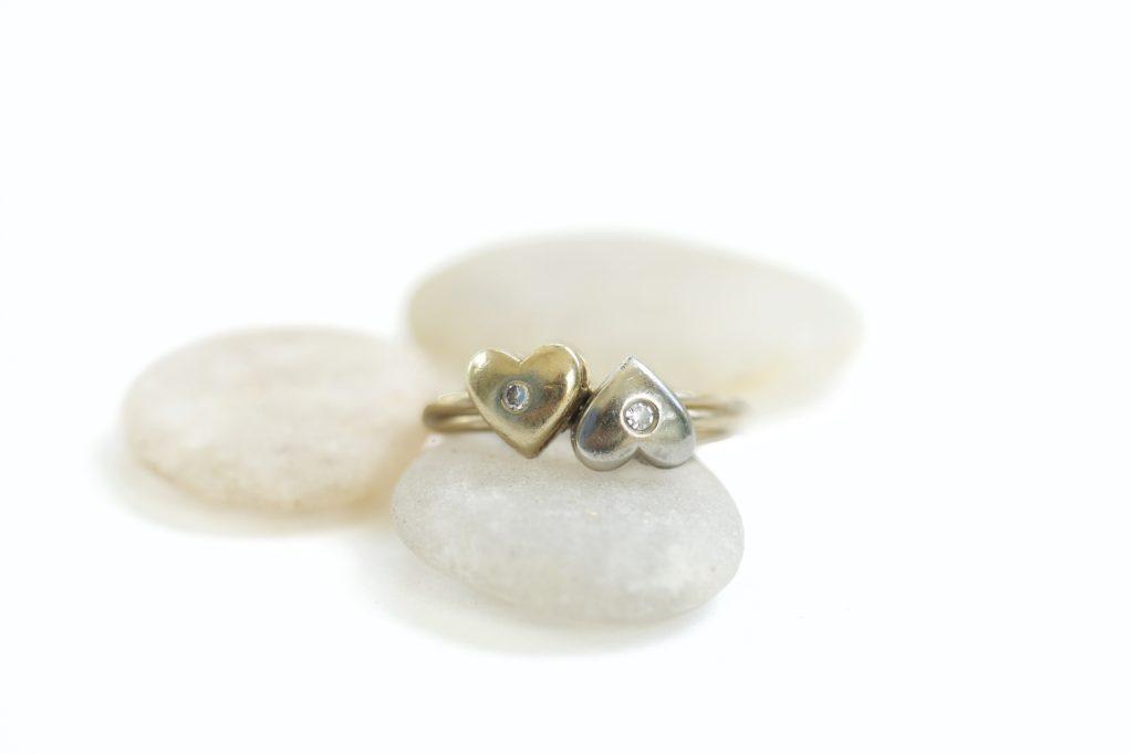 ハートの形をした指輪