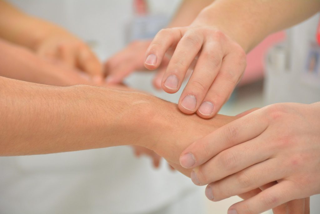 医療関係者の手